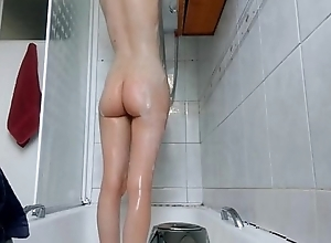 Teen Girlfriend Showers Naked - cams-are.us