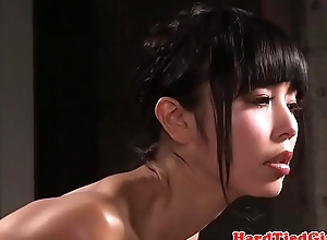 Japanese subslut gets her tits bound all round tight