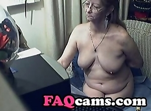 Lovely Granny everywhere Glasses on Web camera  - www.FAQcams.com