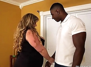 Busty Blonde BBW Veronica Vaughn Cues Up A BBC