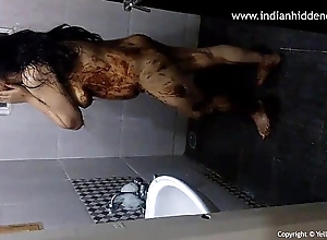 Hot Indian Poop out Babe Masturbating - IndianHiddenCams.com
